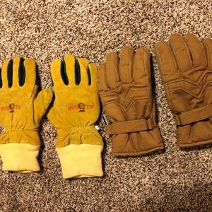 Other - 2 PAIR OF MENS WORK GLOVES..EUC
